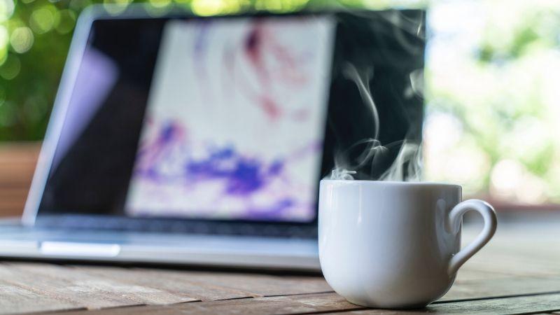 Gemeinschaft, Input und Struktur im Home-Office: Sei beim werktäglichen Facebook Live dabei!