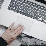 MacBook (Bild: Mikayla Mallek auf Unsplash)